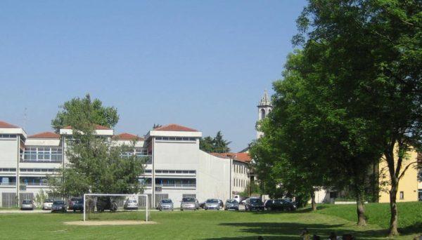 Vista della scuola primaria Calvino