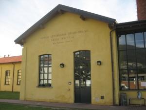 Vista dell'entrata della scuola secondaria