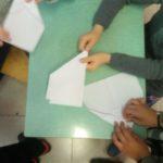 Costruzione di aeroplani di carta